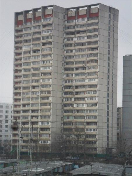 Остекление балконов в доме и-700а, заказать остекление лоджи.